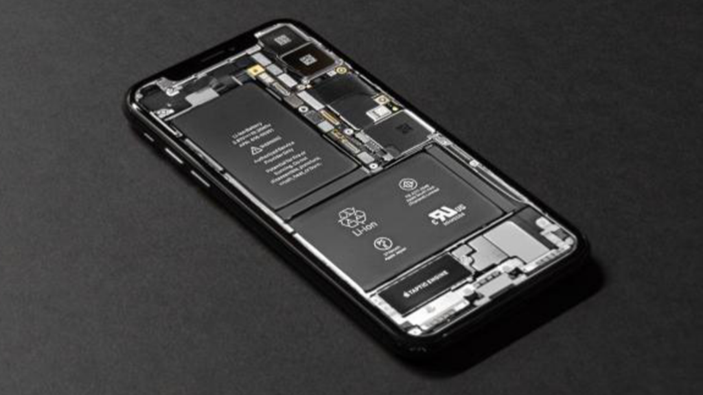 iPhone battery with slimmer chip